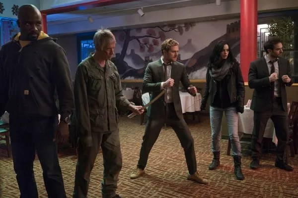 defenders-mike-colter-scott-glenn-finn-jones-krysten-ritter-charlie-cox