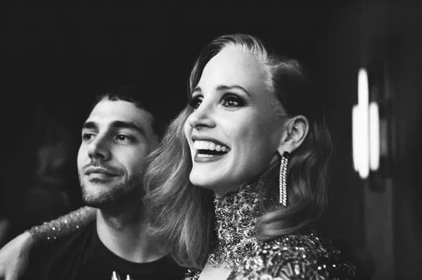 Jessica Chastain and director Xavier Dolan on the set of The Death and Life of John F. Donovan (Photo : Shayne Laverdière)
