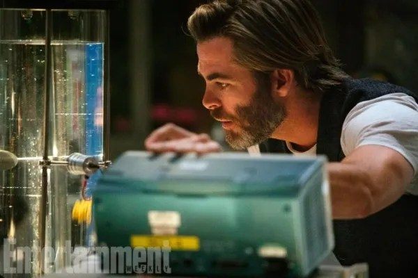 a-wrinkle-in-time-chris-pine-ew