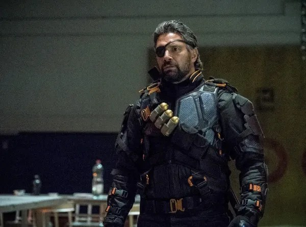 arrow-season-6-deathstroke-returns-image-12