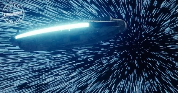 star-wars-the-last-jedi-millenium-falcon-image
