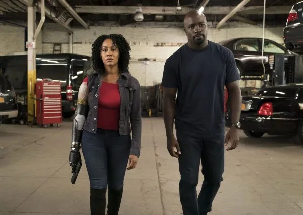 luke-cage-mike-colter-simone-missick-01