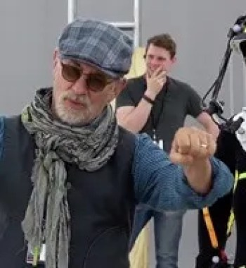 Movie Talk: Steven Spielberg Hates Netflix But Loves Apple?