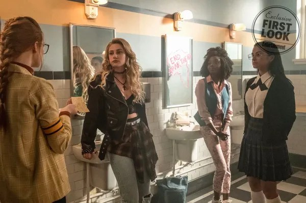 riverdale-season-3-flashback-ew-1