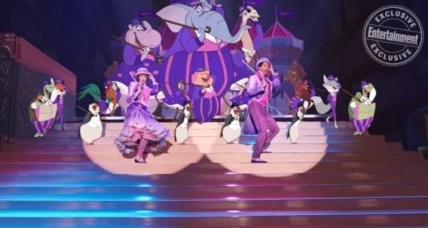mary-poppins-returns-emily-blunt-lin-manuel-miranda-2