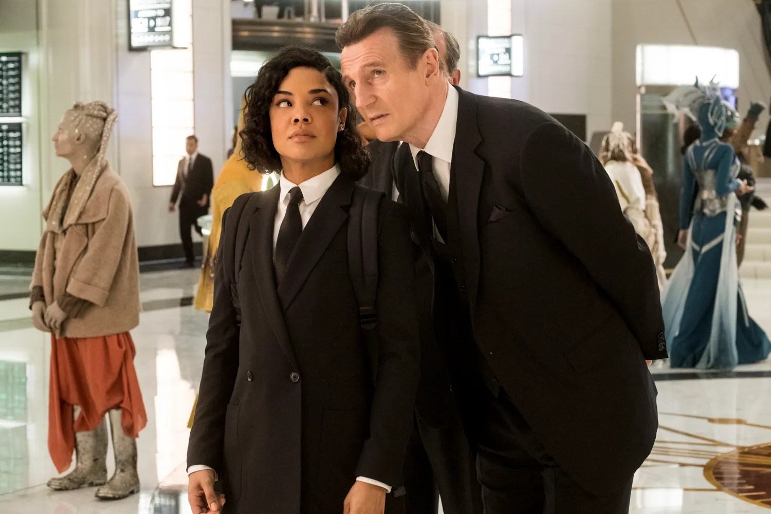 New Men In Black International Images Really Rock a Suit