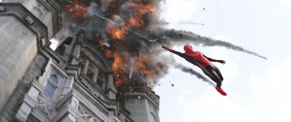 Fall Verse Wallpaper New Spider Man Far From Home Images Swing Across Europe