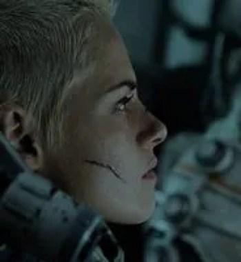 Kristen Stewart Battles a Deep-Sea Monster in First 'Underwater' Trailer
