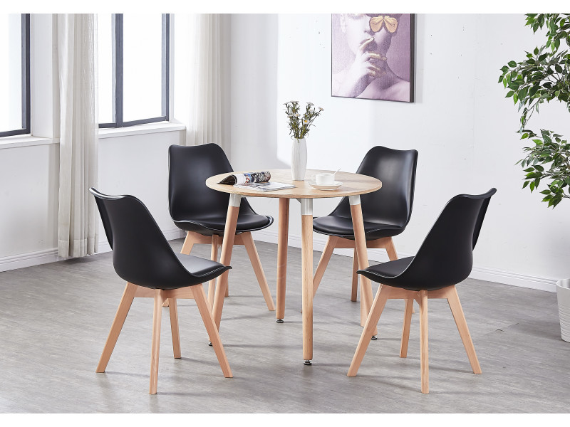 4 chaises scandinaves noires