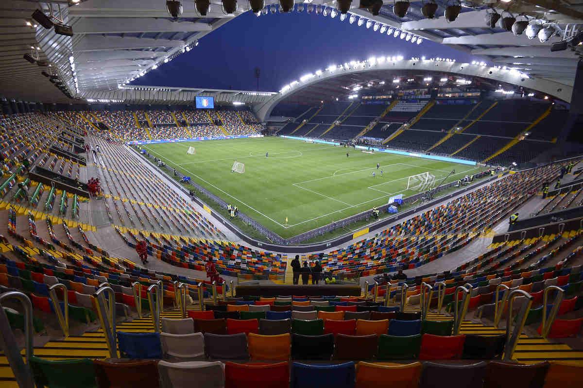 Dacia Arena venti future mamme in campo per Udinese
