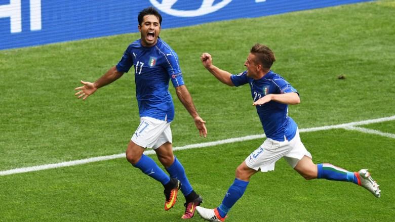 Eder esulta dopo aver segnato il gol vittoria per l'Italia contro la Svezia a Euro 2016. Foto: Getty Images