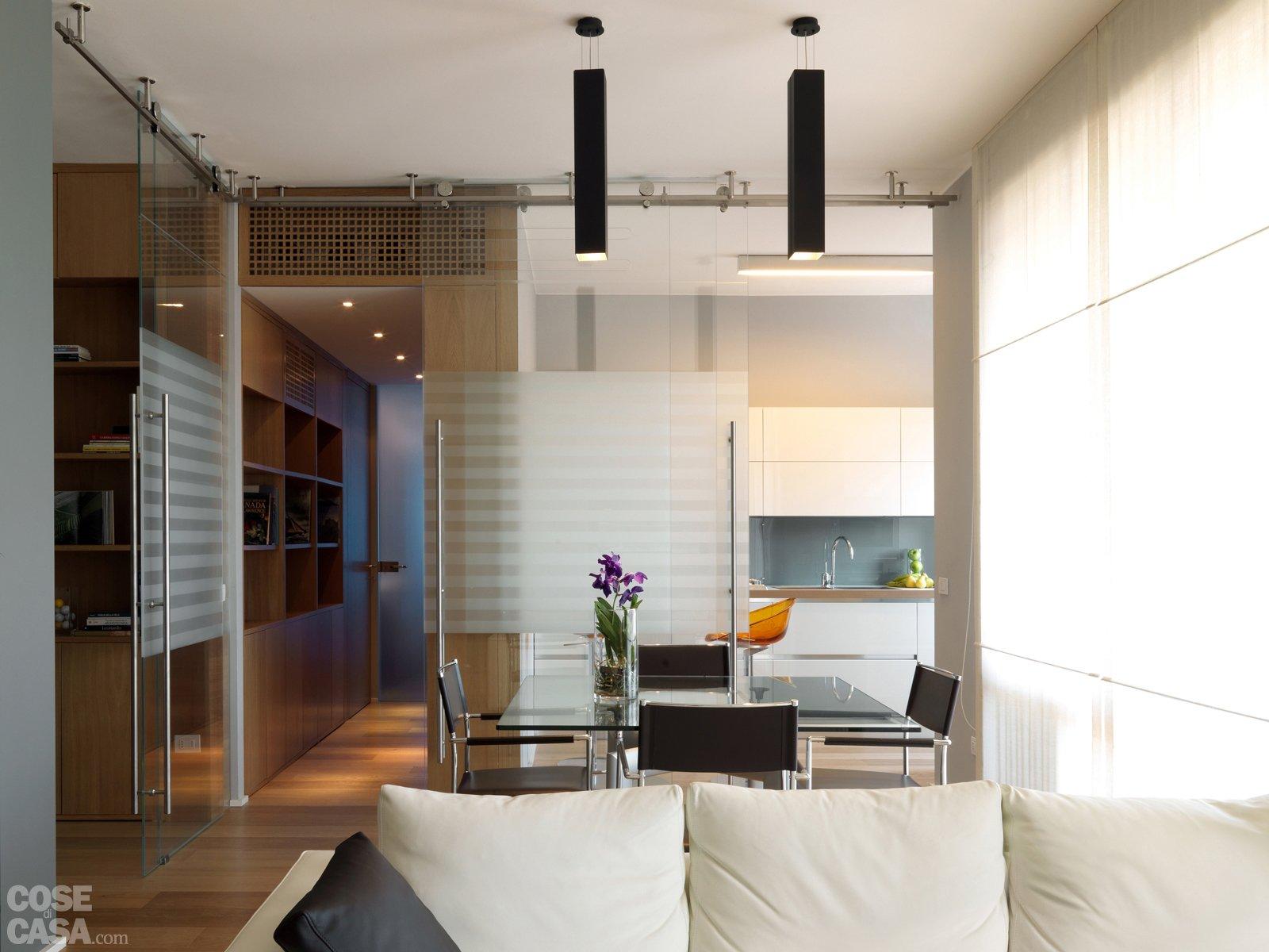 Parete Soggiorno Con Pietra Vista : Pareti divisorie cucina soggiorno librerie bifacciali su misura
