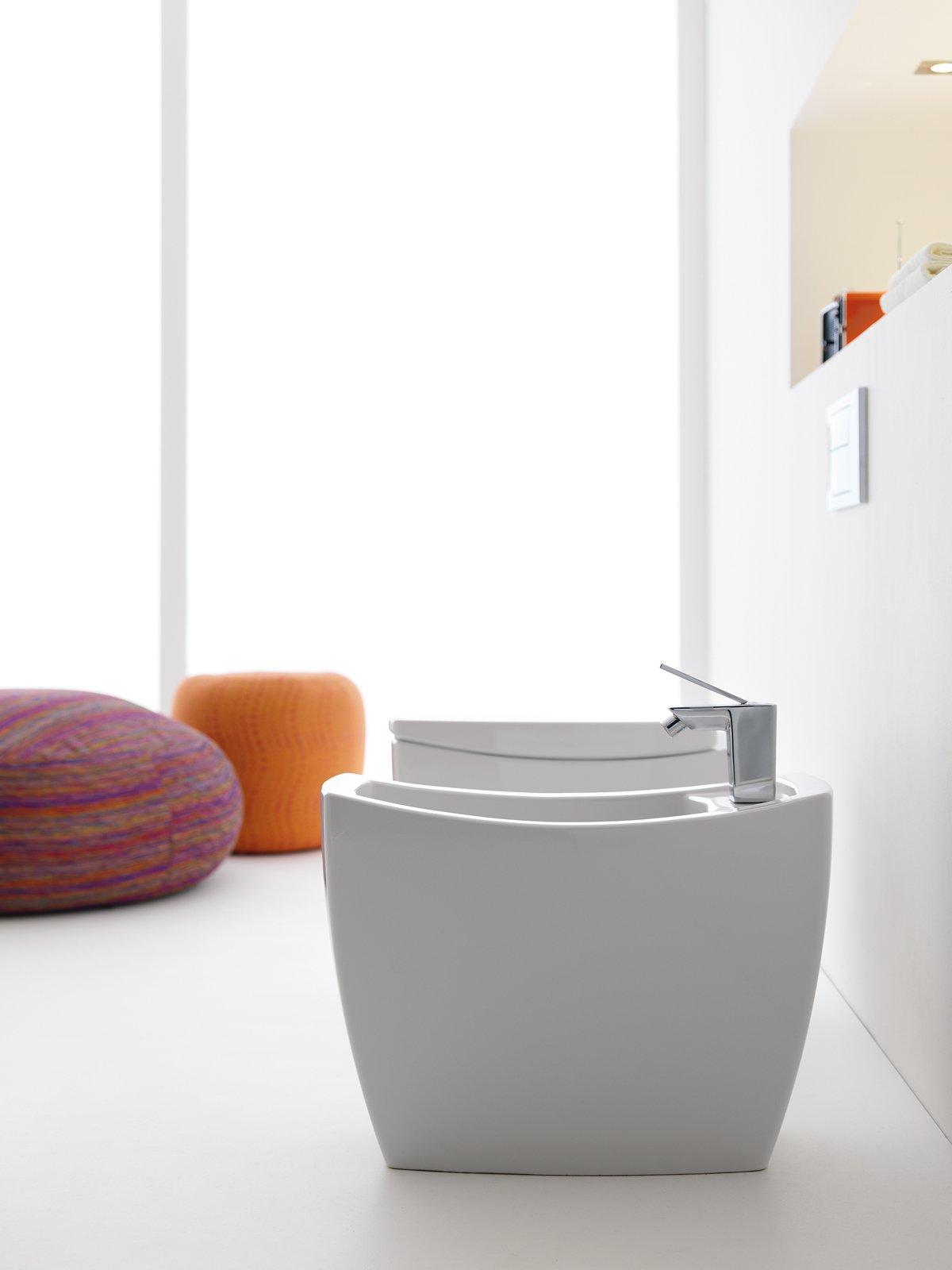 Sanitari ceramica per vasi e bidet  Cose di Casa