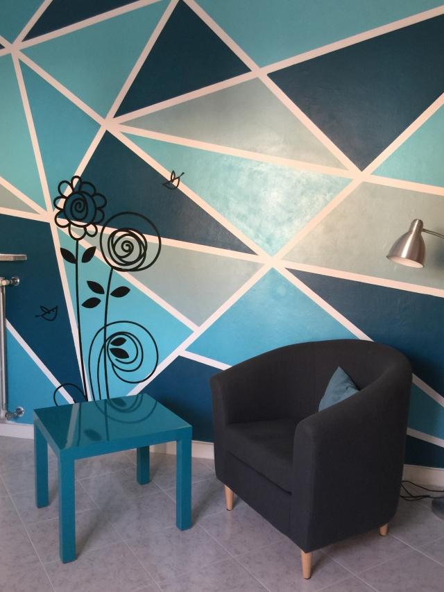 Tinteggiare la parete con una decorazione geometrica  Cose di Casa