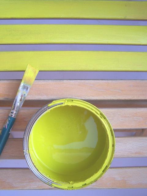 Per ridipingere la sedia sono stati usati smalti per legno the paint makers e una parte è stata lasciata in legno a vista! Un Tocco Di Colore Per Dipingere Tavolo E Sedie In Legno Cose Di Casa