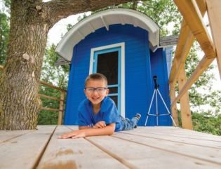 """Bowde, 5, brain tumor. """"I wish to have a treehouse."""" Photo: Make-A-Wish Foundation"""