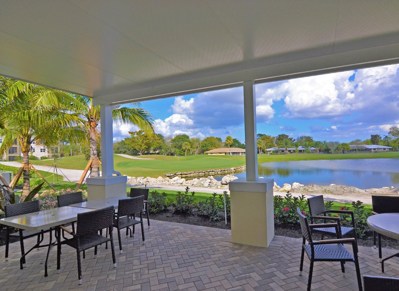 country club of coral springs debuts