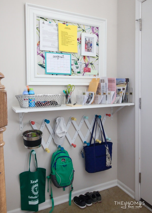 How to Organize Your Entryway: Simple Shelf | thegoodstuff