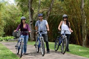 Instan al uso de bicicleta. (Imagen tomada del Facebook de la Universidad de Costa Rica).