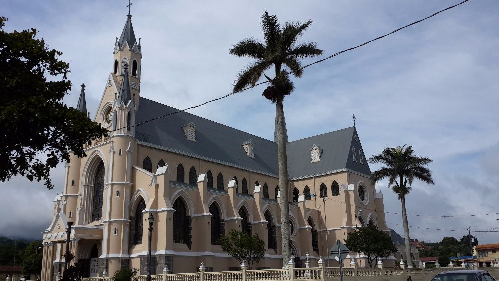 Resultado de imagen para iglesia san rafael de Heredia