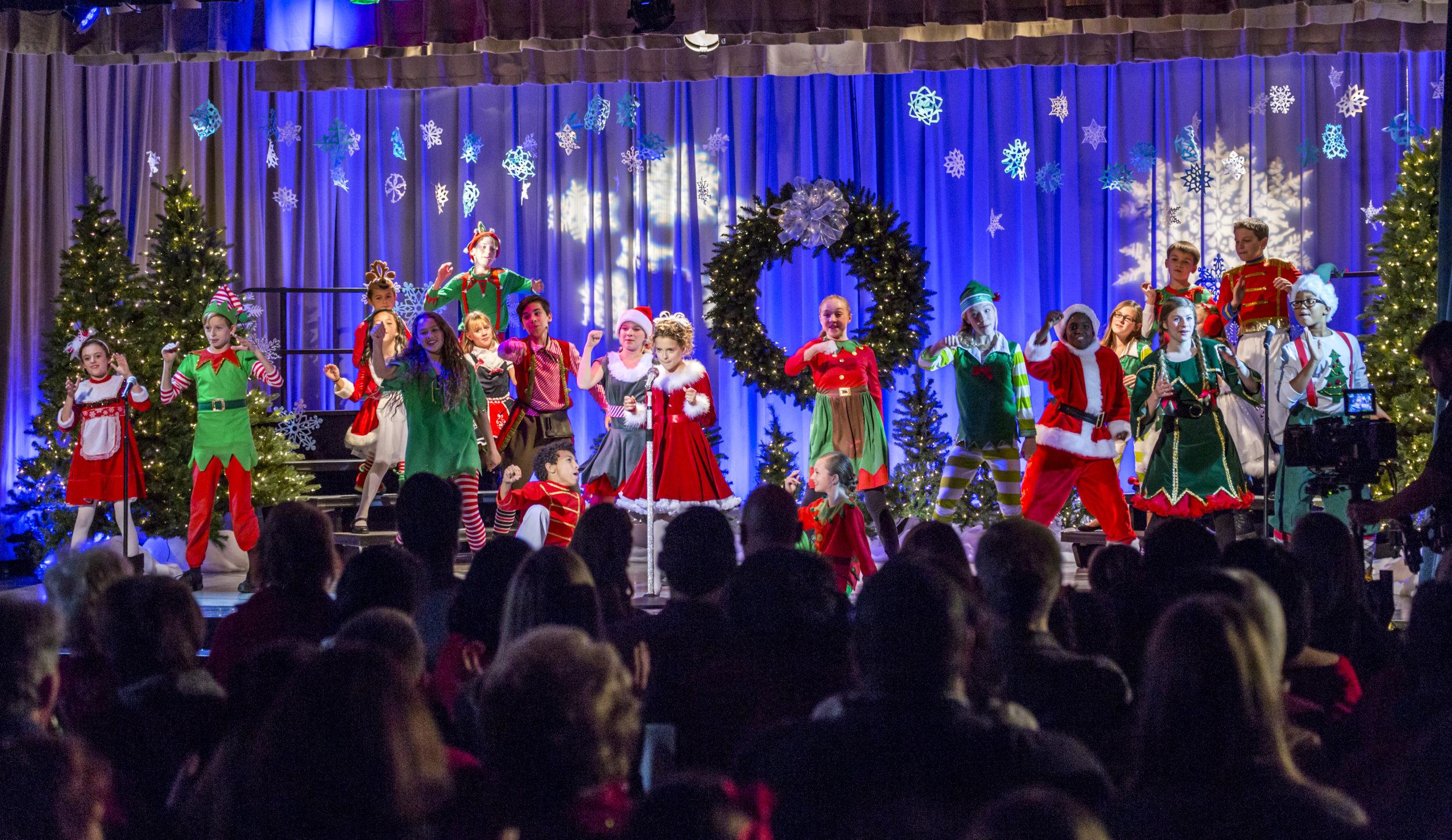 Photos A Christmas Melody 1 Hallmark Channel