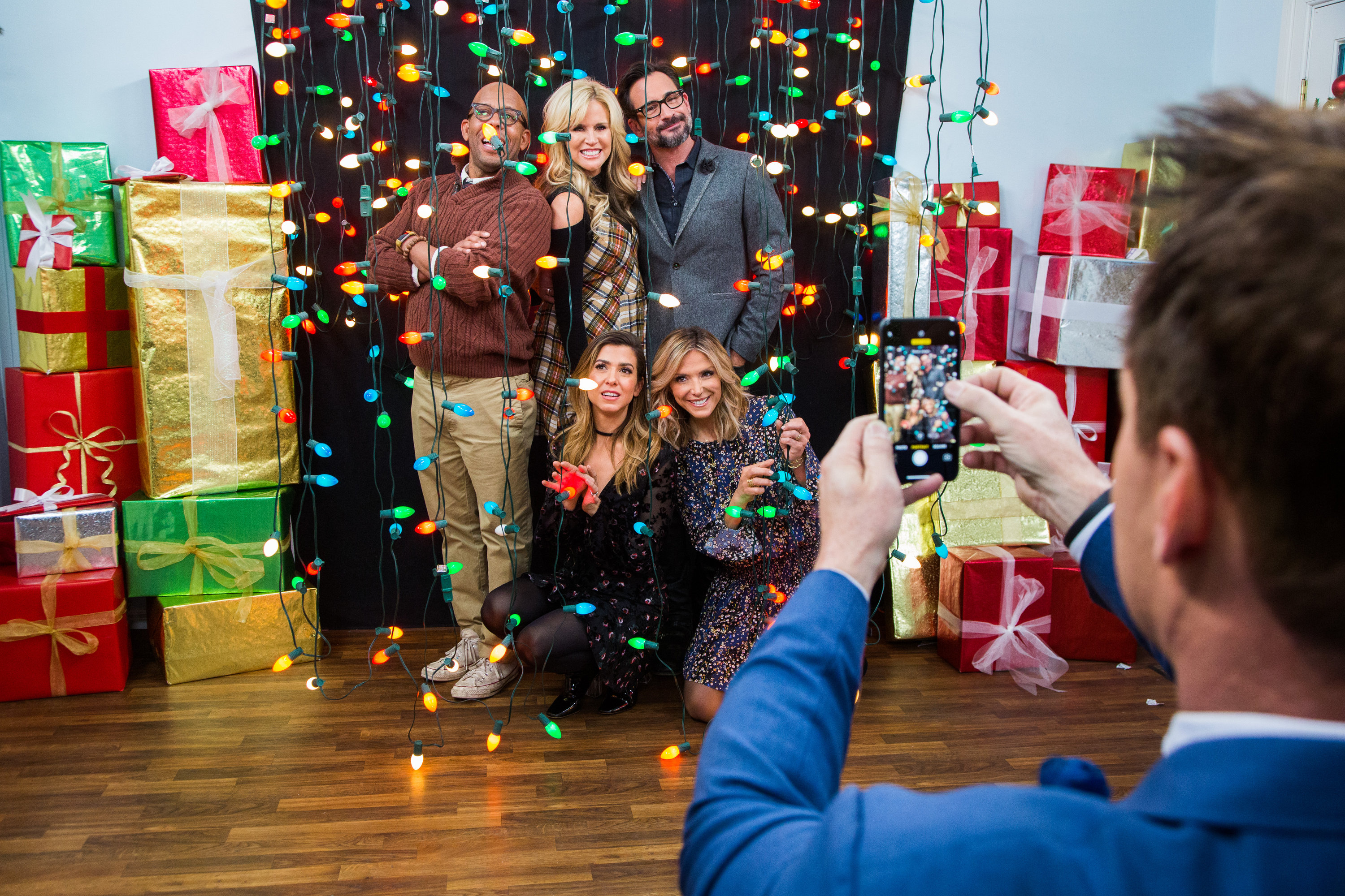 How To DIY Christmas Light Photo Op Hallmark Channel