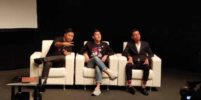 Panel comprising of from left Chan Wei Chi of Sinegy, Chuan Ji Lim of Gibraltar Stock Exchange and Amierul Syamiil of cryptocurrency exchange Coinbene.