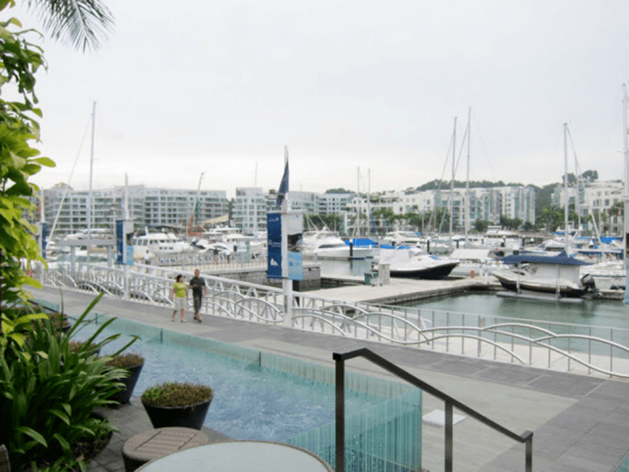 Yacht-side parking at Bayswater Kitchen is limited so park your yachts early to avoid being stuck in harbor traffic.
