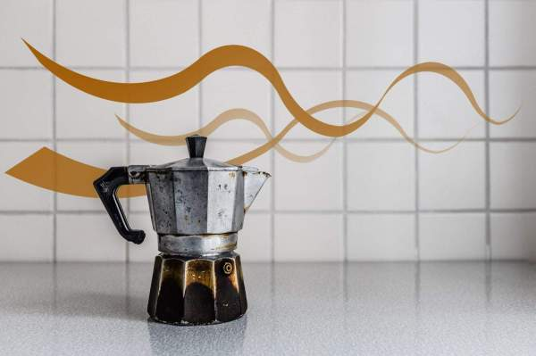 80-year- Coffee Pot Makes Amazing Cup Of