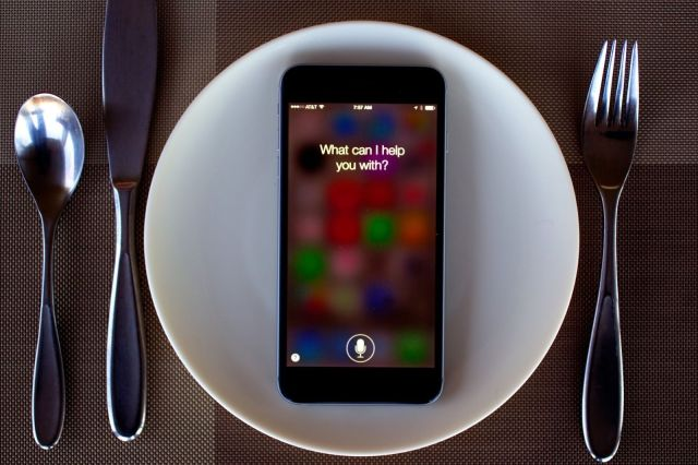 Siri speaks even more languages in iOS 8.3. Photo: Jim Merithew/Cult of Mac
