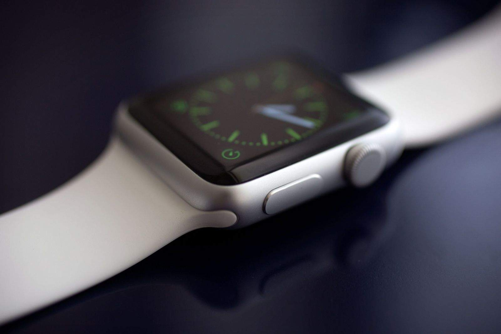 Apple Watch Review Futuristic Fun And Fan Flipping Tastic