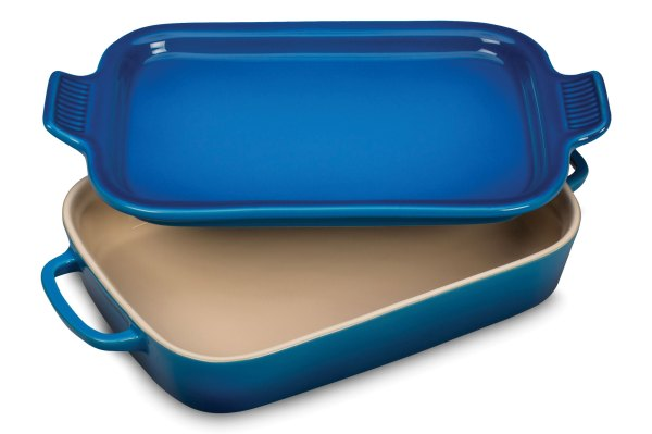 Le Creuset Stoneware Rectangular Baking Dish With Platter