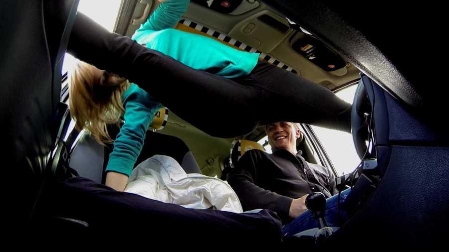 Incredibile teenager flessibile Ottiene un Free Ride