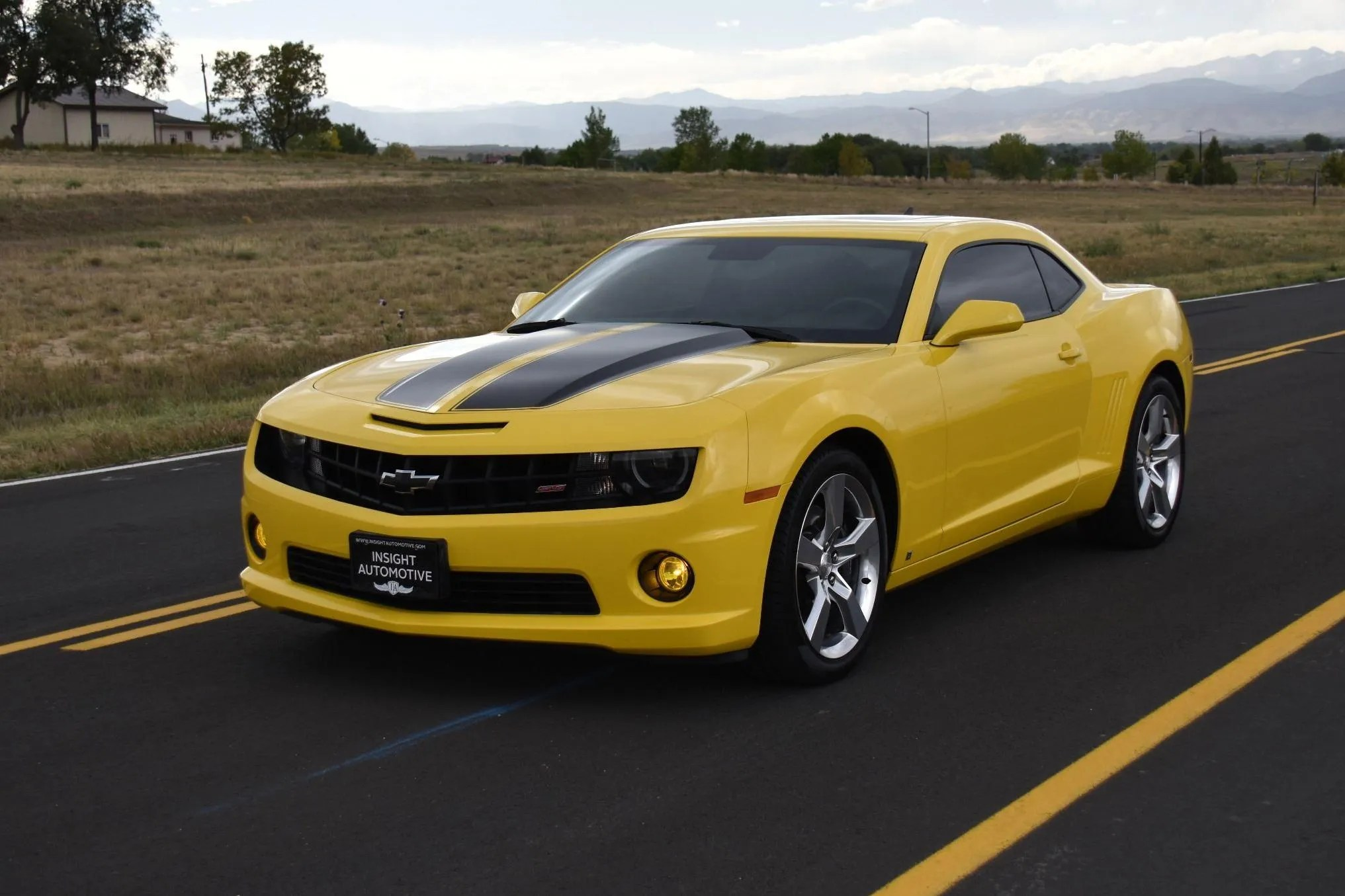 2010 chevrolet camaro 2ss rs v8 426 hp 6 speed manual low low miles heated leather roof [ 2033 x 1355 Pixel ]