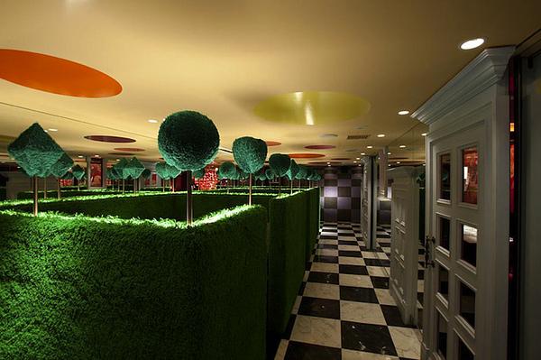 Surprisingly Modern Alice In Wonderland Themed Restaurant