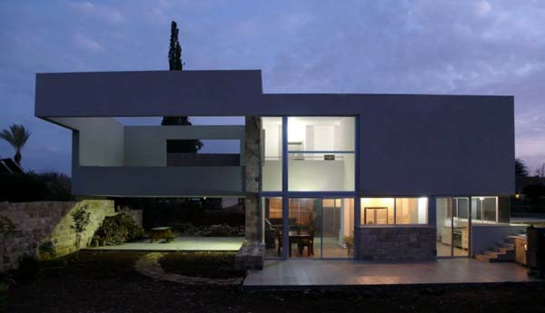 Contemporary villa in Israel can be transformed into a
