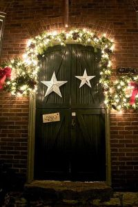 Back to: Ideas for Christmas Door Decorations