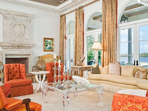 Luxury Palm Beach Mansion Selling For an Extravagant 38M