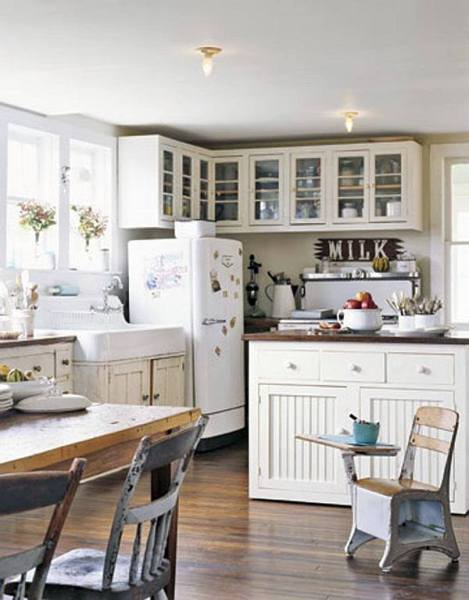 antique farmhouse kitchen cabinets Decorating with a Vintage Farmhouse Inspiration