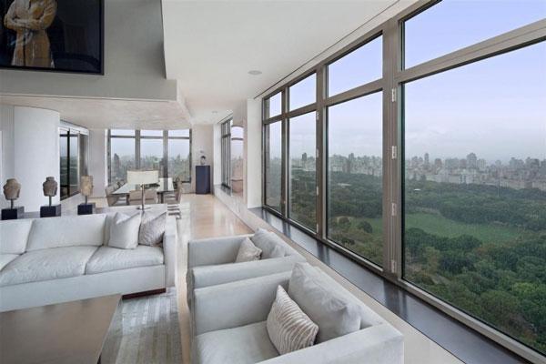 Spectacular Manhattan Penthouse With Impressive City Views
