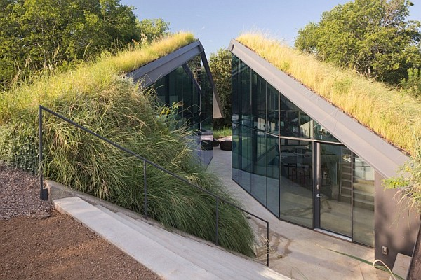 Underground House Encased In Glass Offers A Modern Take On Native