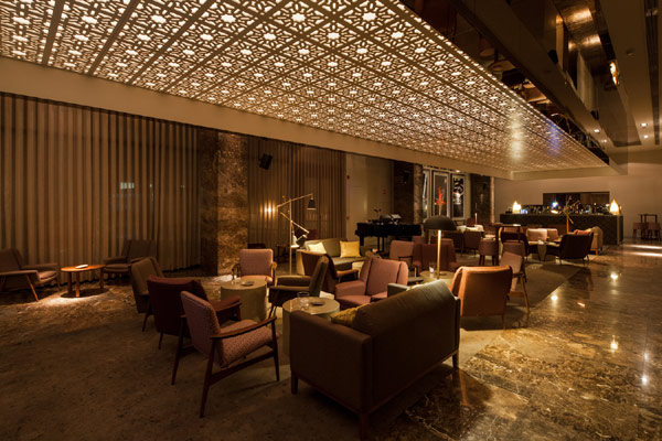 affordable living room decor ideas modern sofas for bô zen bar in portugal: intoxicating setting with ...