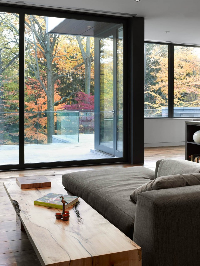 North Toronto Residence Gets Awarded For Symmetry And