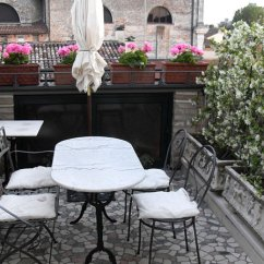 Small Outdoor Patio Table And Chairs Minnie Desk Chair Balcony Design Ideas, Photos Inspiration