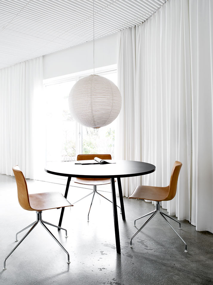 Danish Summer Residence Stuns With the Simplicity of Its