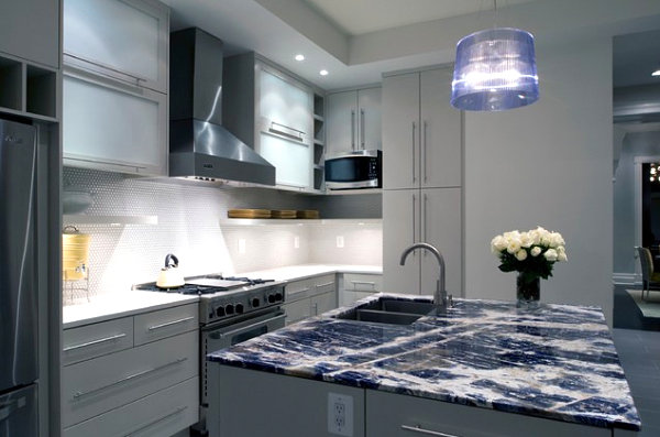 Agate Lapis and Quartz Mineral Decor for a Dazzling Interior