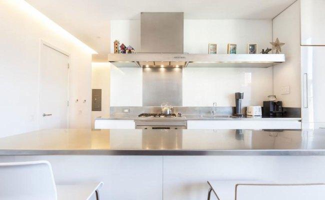 Contemporary Soho Apartment In New York Displays Divine