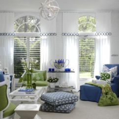 Living Room Pillows Floor New Modern And Cushions Inspirations That Exude Class Comfort Cool Help Usher In A Casual Atmosphere View Gallery Beautiful Family Uses Accent Colors To Perfection