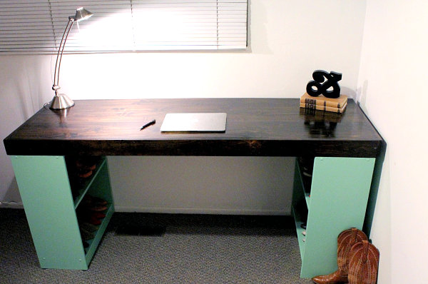 Back to DIY Office Desks for the Modern Home
