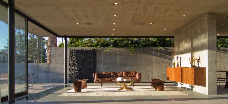 Luxurious California Residence Blurs Boundaries Of